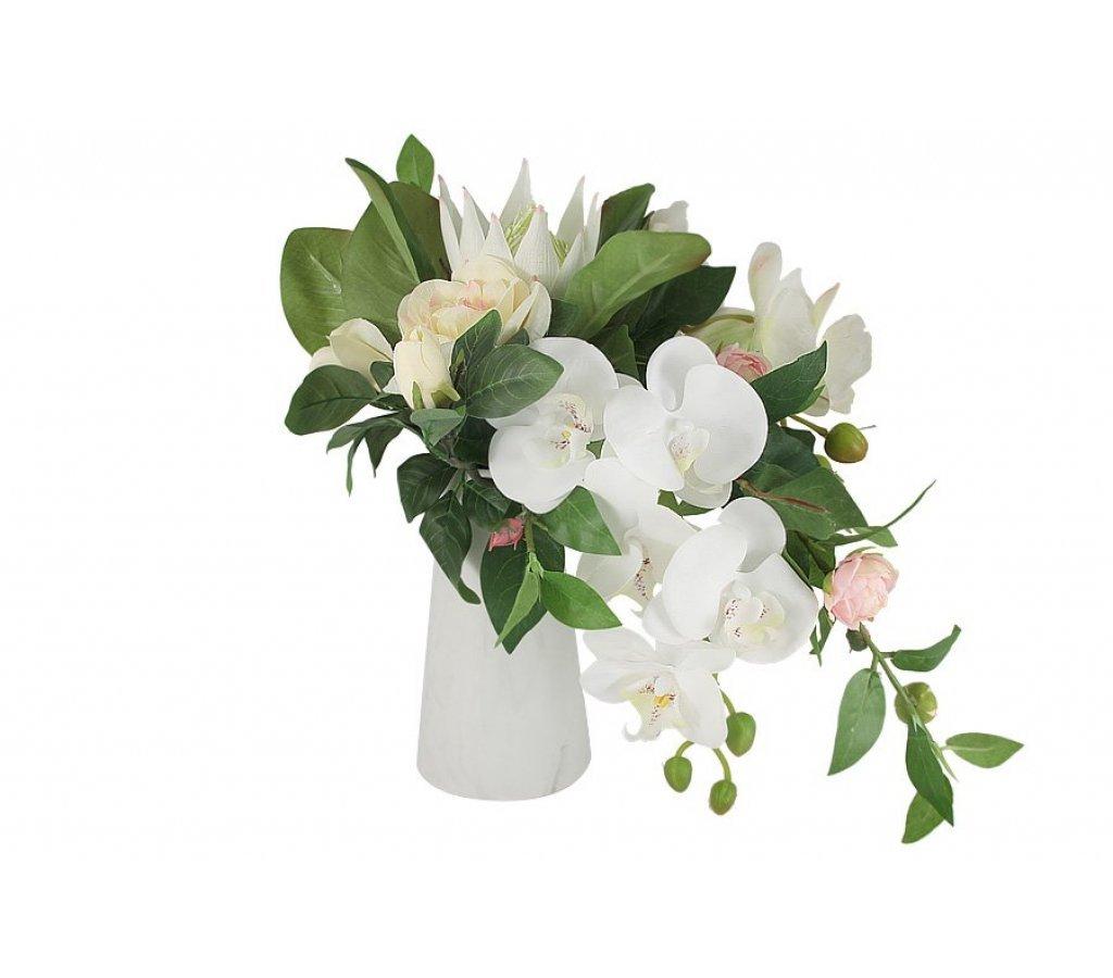 Орхидею в букетах киев купить