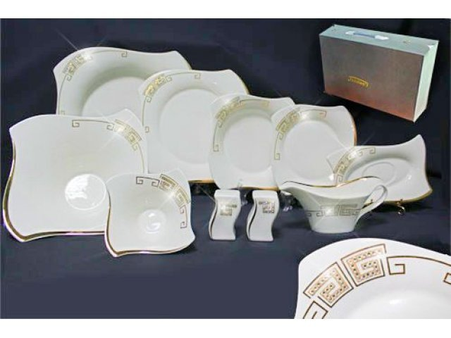 Столовый сервиз 30 предметов в подарочной упаковке Стразы золото. Фарфор
