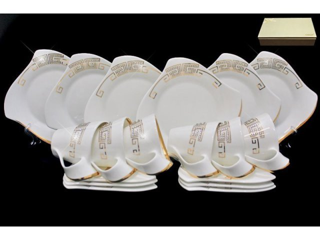 Чайный сервиз 18 предметов Стразы золото в подарочной упаковке. Фарфор
